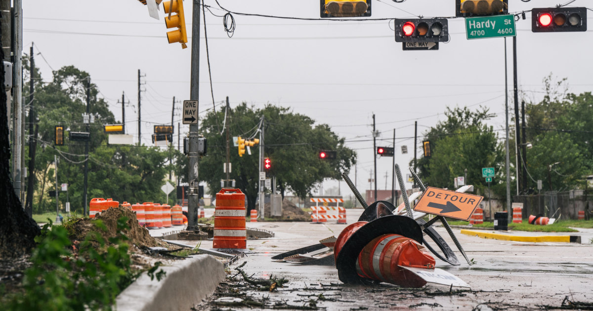 500,000 without power in Texas as Tropical Storm Nicholas ...